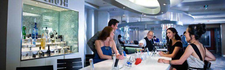 Bar du bateau de croisière Celebrity Constellation
