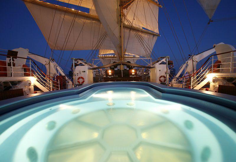 Piscine du bateau de croisière Royal Clipper