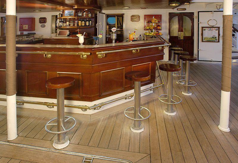 Bar Tropical du bateau de croisière du Star Clipper