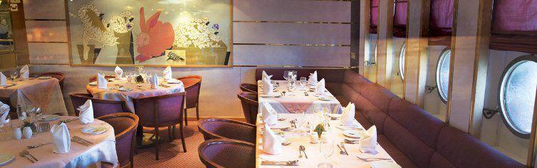 Restaurant du bateau de croisière MS Astoria