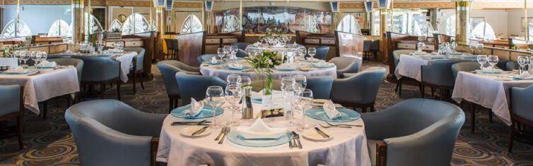 Restaurant du bateau de croisière Celestyal Nefeli