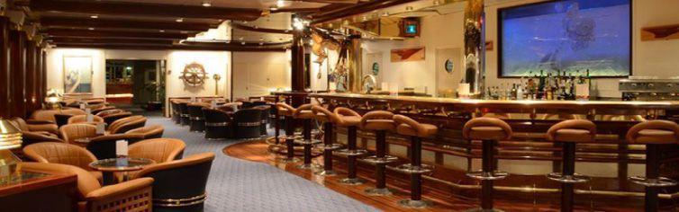 Bar du bateau de croisière Celestyal Olympia