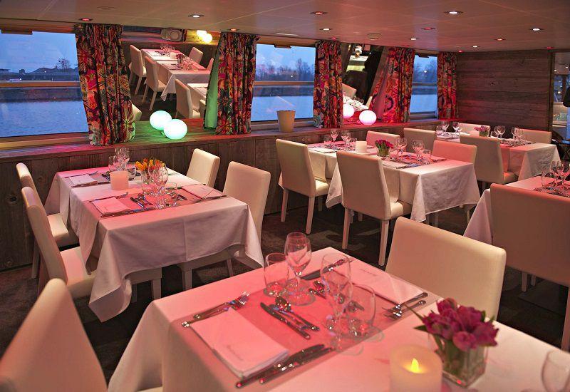 Restaurant à bord du Ms Jeanine