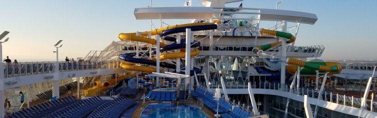 Piscine du bateau de croisière Symphony of the Seas