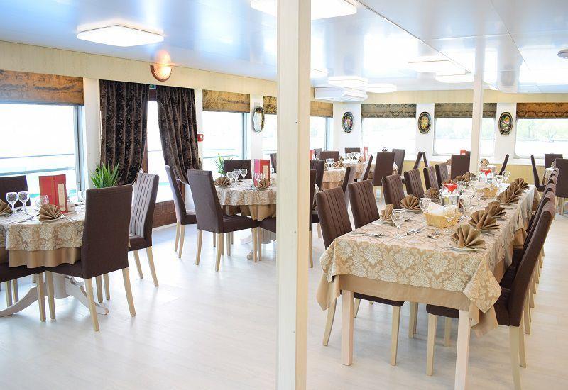 Grand restaurant du Ms Kronstadt