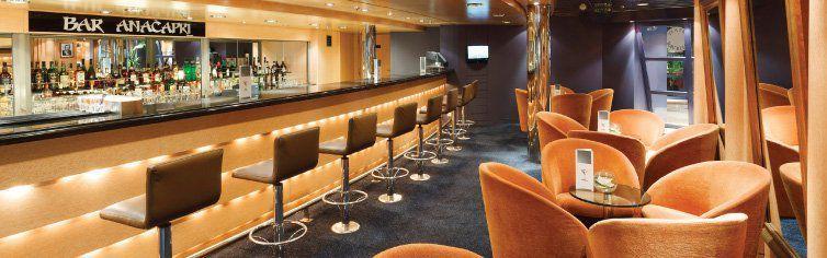 Bar du bateau de croisière Costa Neoriviera