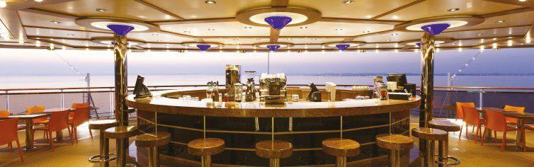 Bar du bateau de croisière Costa Diadema