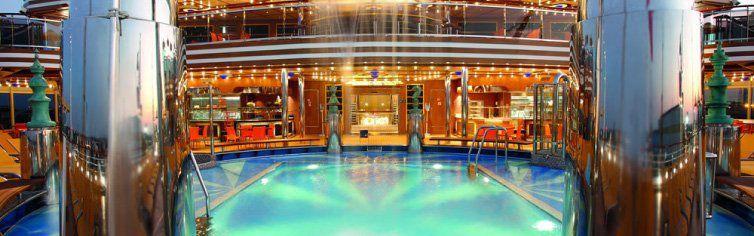 Piscine du bateau de croisière Costa Diadema