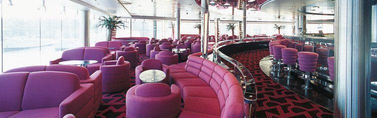 Bar du bateau de croisière MSC Opera