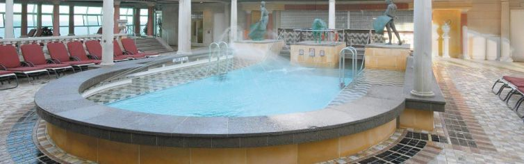 Piscine-Voyager-of-the-Seas