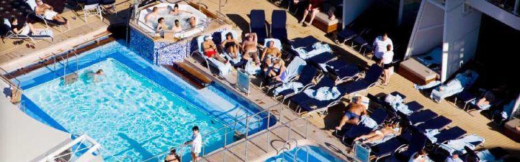 Piscine du bateau de croisière Celebrity Solstice