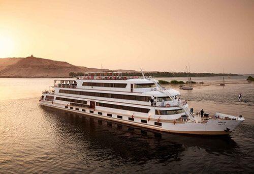 Nile adventurer navire