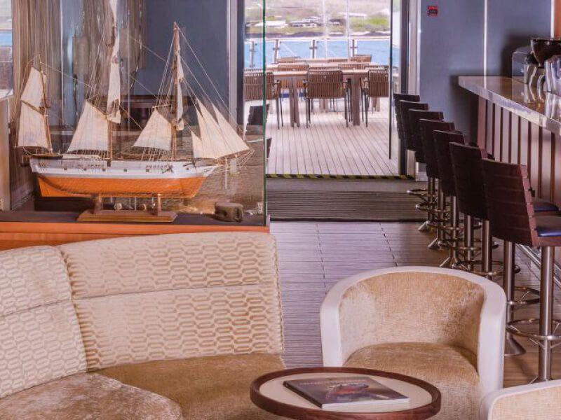 Lounge du bateau de croisière Celebrity Xpedition