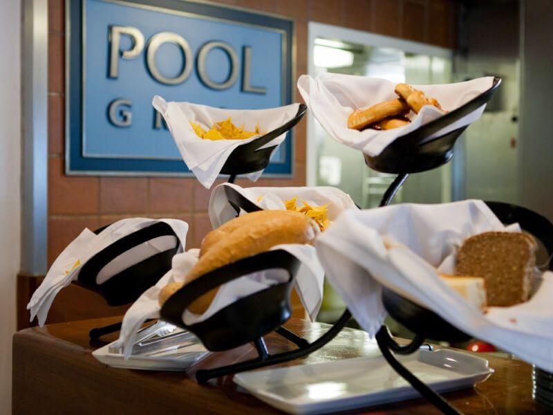 Pool Grill du bateau de croisière Azamara Quest
