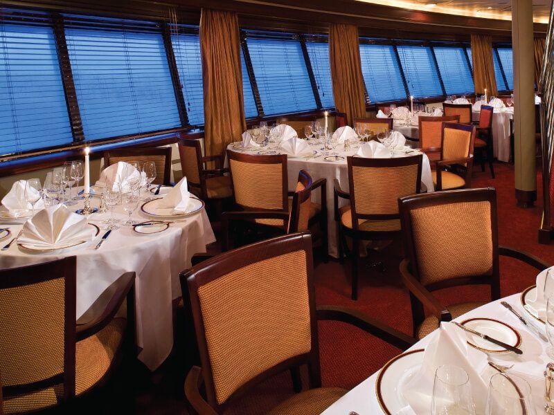 The Restaurant du bateau de croisière Silver Explorer