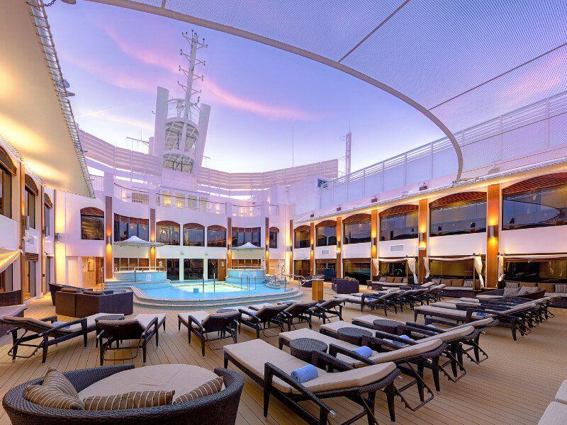Courtyard du bateau de croisière Norwegian Epic