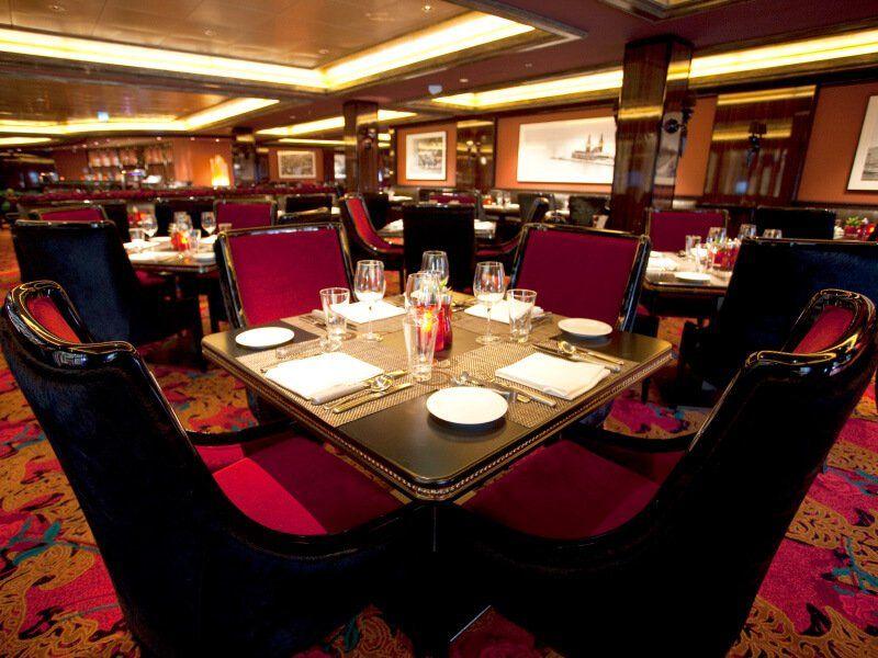 Le Moderno, un des restaurants du bateau de croisière Norwegian Epic