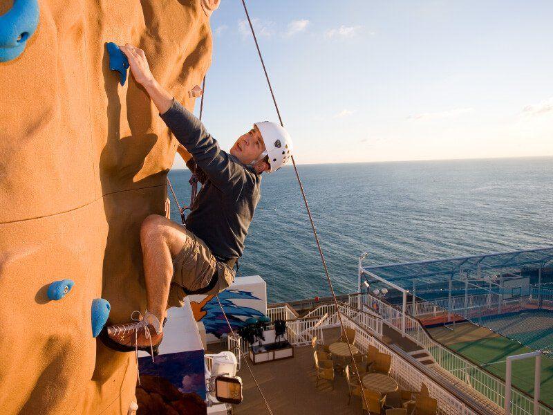 Pratiquer l'escalade du bateau de croisière Norwegian Gem