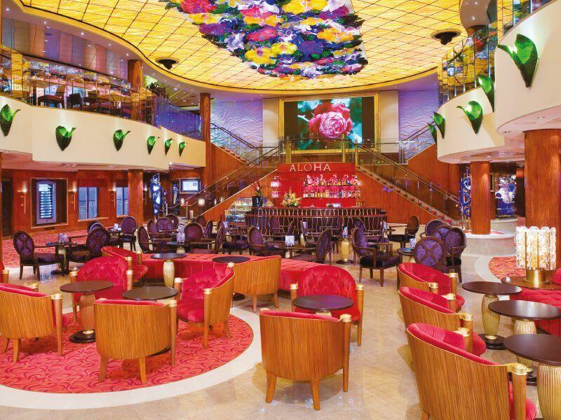 Atrium du bateau de croisière Norwegian Jade