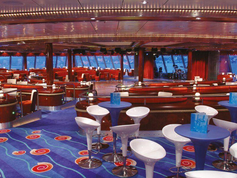 Lounge du bateau de croisière Norwegian Pearl