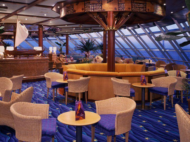 Lounge du bateau de croisière Norwegian Sky