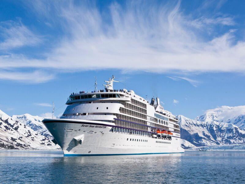 Le bateau de croisière Seven Seas Navigator : escale en ALASKA