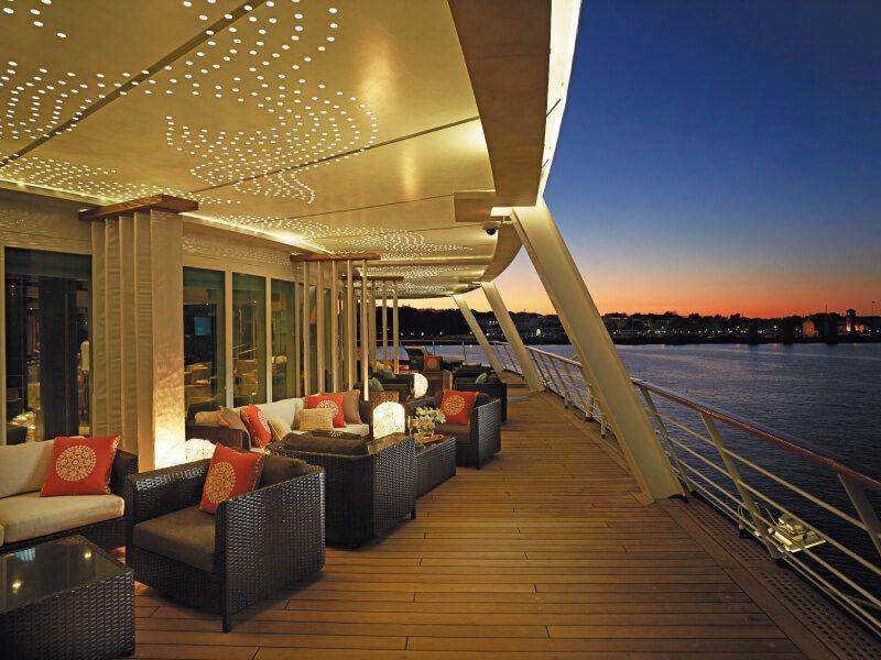 Lounge du bateau de croisière Seven Seas Voyager