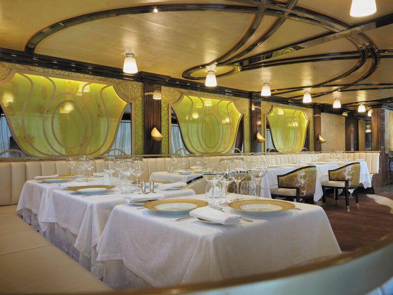 Restaurant  La Chartreuse du bateau de croisière Seven Seas Explorer