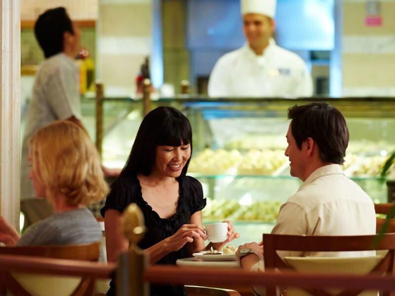 Café International du bateau de croisière Coral Princess