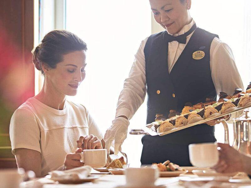 Café International du bateau de croisière Emerald Princess