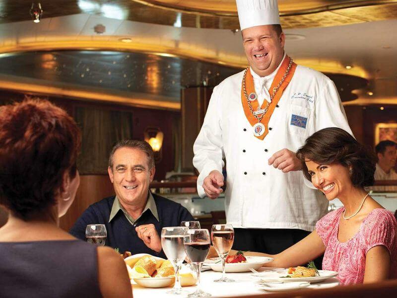 Restaurant du bateau de croisière Pacific Princess