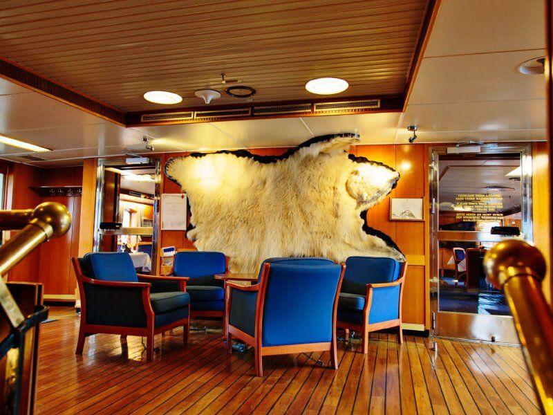 Hall du bateau de croisière MS Kong Lofoten