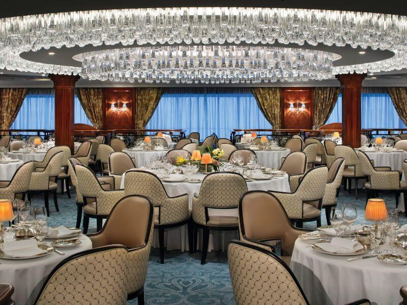 Restaurant du bateau de croisière Insignia