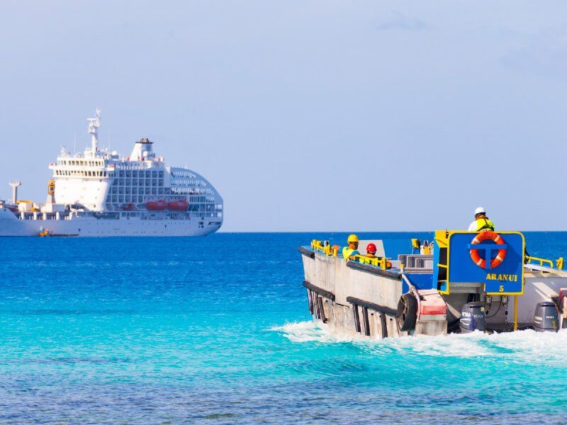 Chaloupe du bateau de croisière Aranui 5