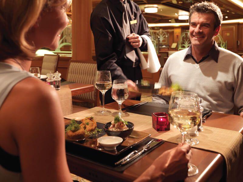 Table restaurant du bateau de croisière Queen Elizabeth