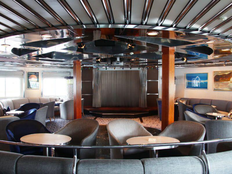 Grand salon du bateau de croisière SeaDream I