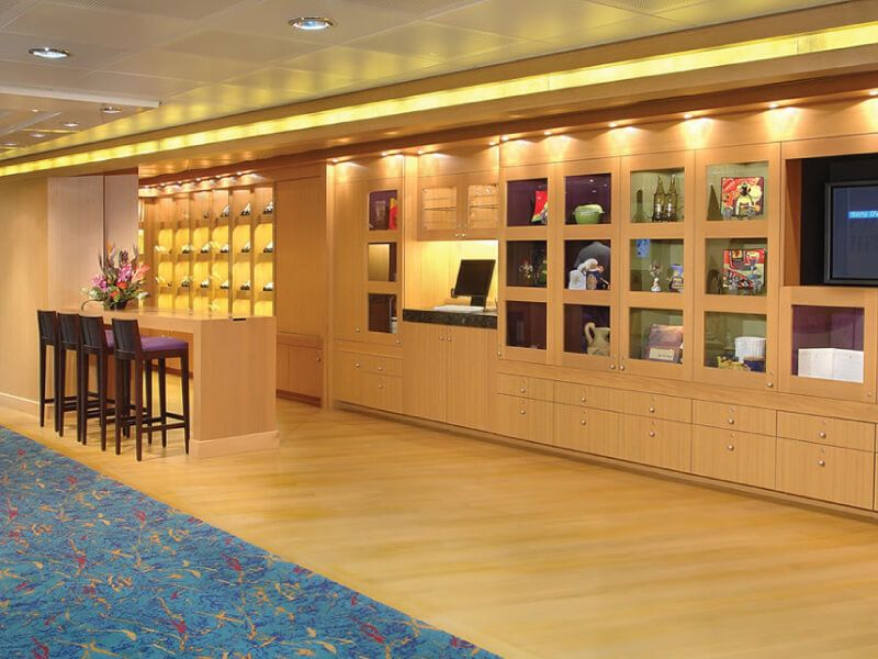 Hall du bateau de croisière MS Amsterdam