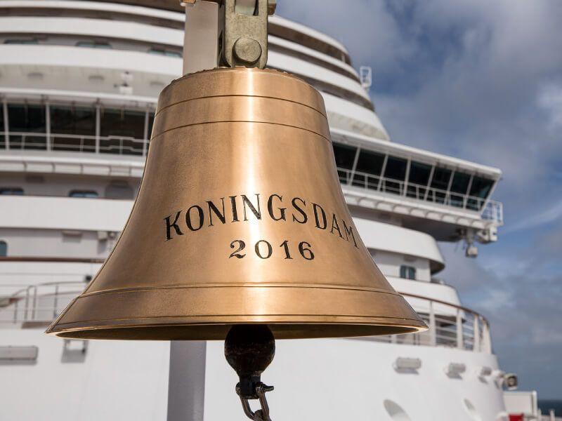 Cloche à bord du bateau de croisière MS Koningsdam