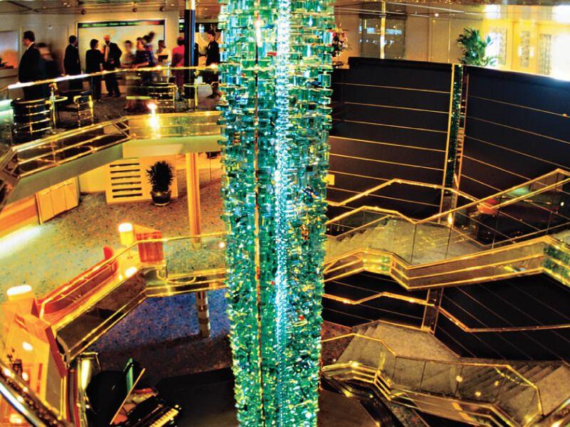 Atrium du bateau de croisière MS Maasdam