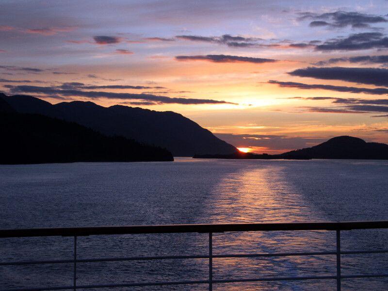 Observer le Coucher du Soleil à bord du bateau de croisière MS Zuiderdam