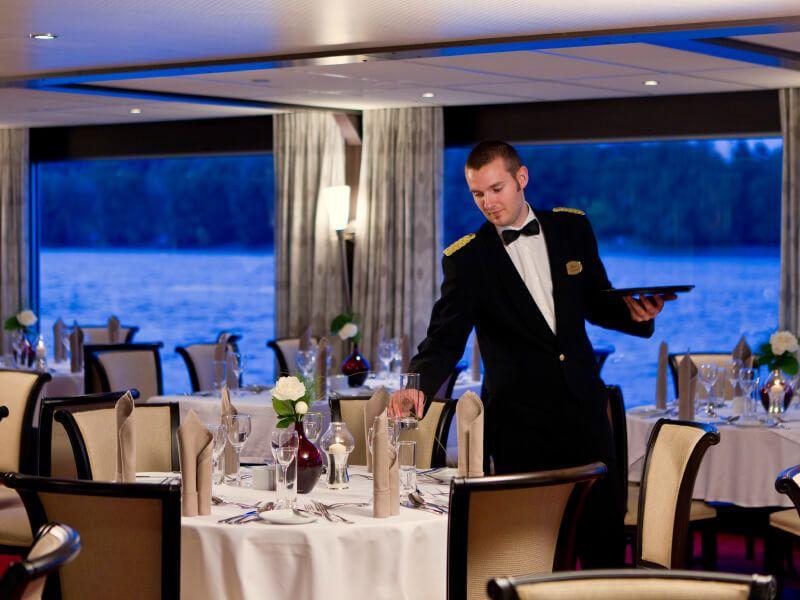 Panorama restaurant du bateau de croisière M/S Amadeus Brilliant