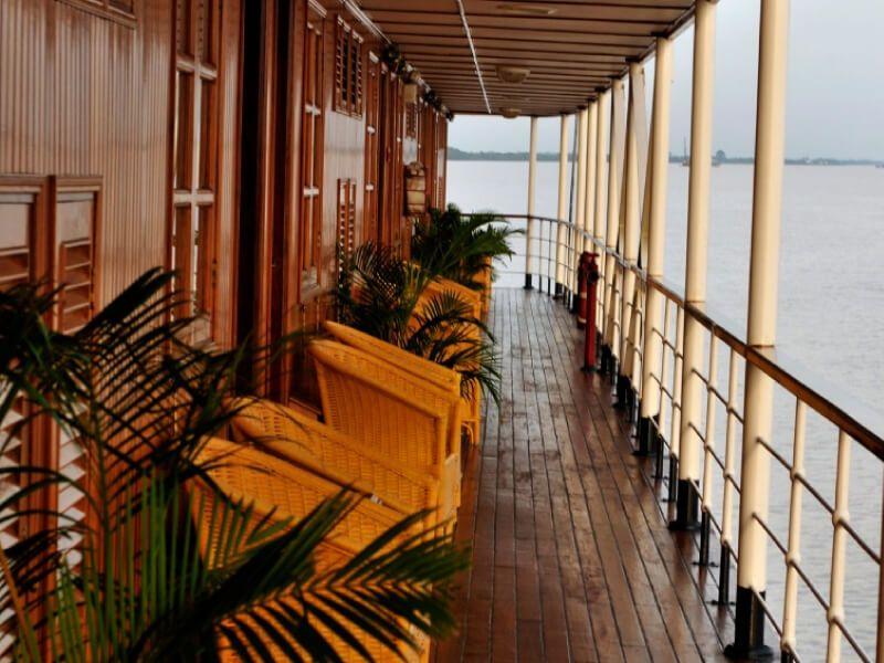 Coursive du bateau RV Indochine
