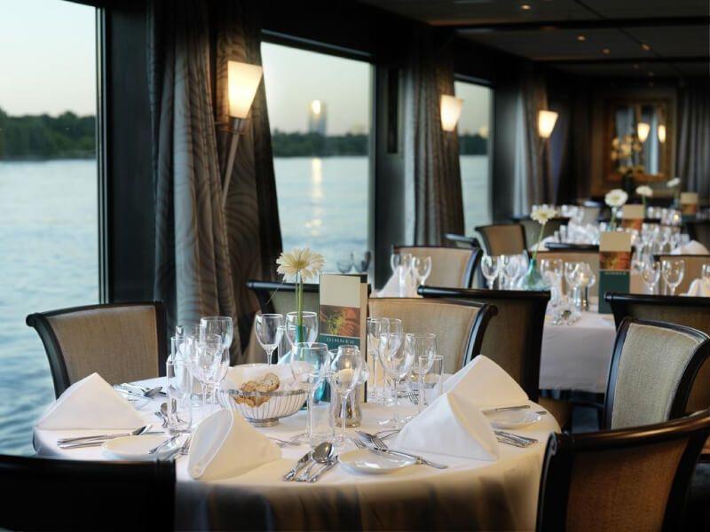 Restaurant du bateau de croisière Amadeus Elegant