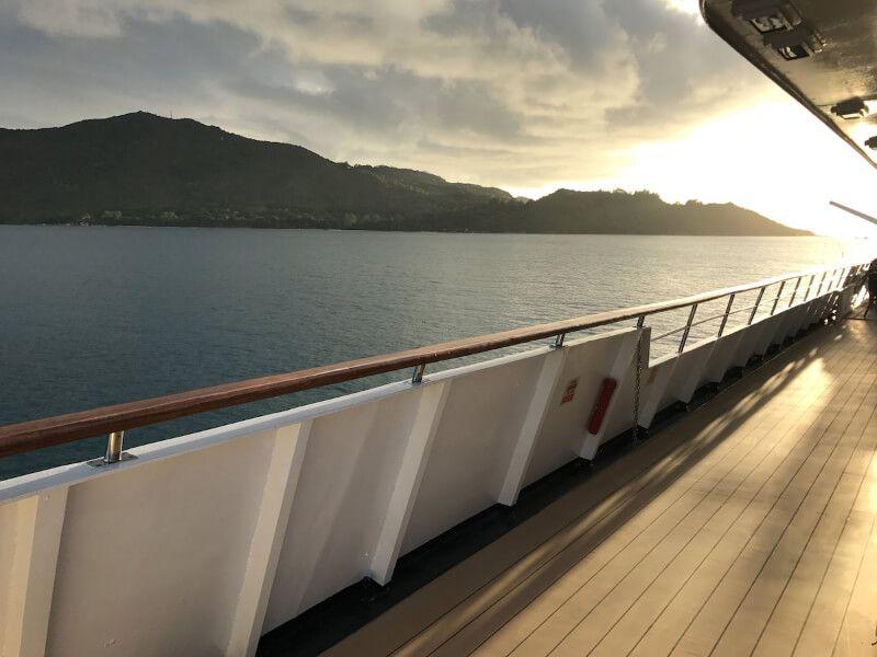Terrasse du bateau de croisière M Y Pegasus
