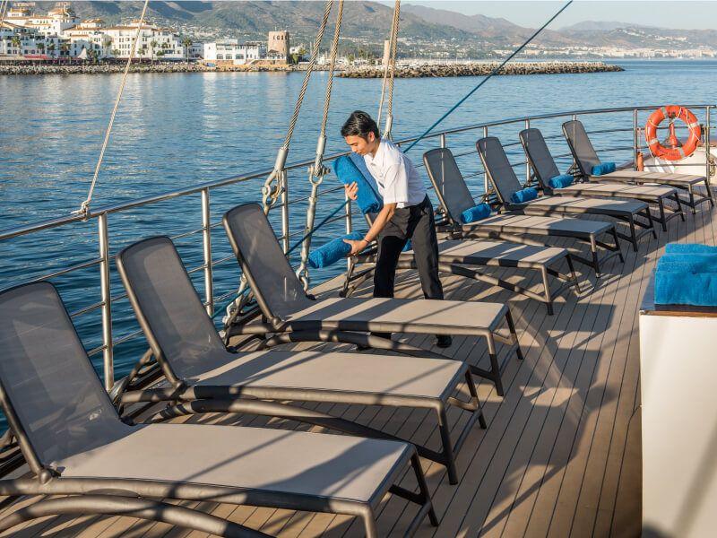 Pont soleil du bateau de croisière M S Panorama II