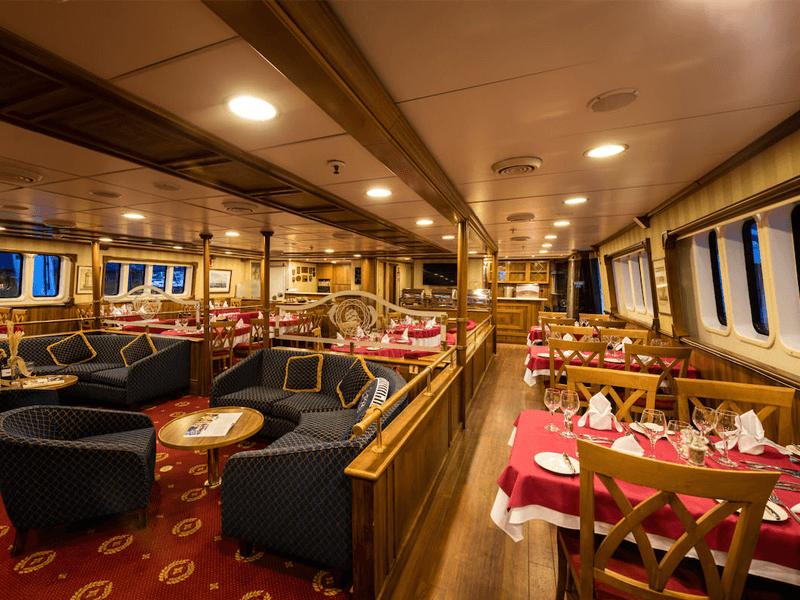 Restaurant Panorama Variety Cruises