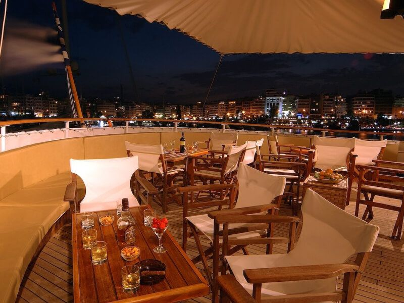 Bar du bateau de croisière M S Galileo