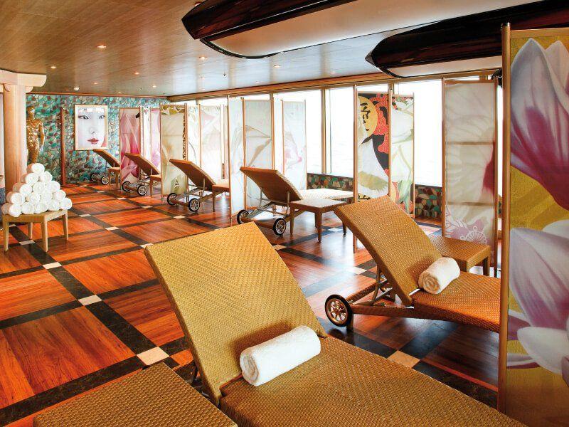 Salle de relaxation du bateau de croisière Costa Deliziosa