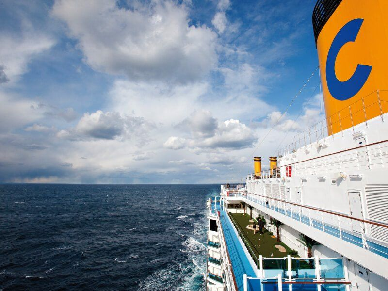 Vue extérieure du bateau de croisière Costa Deliziosa