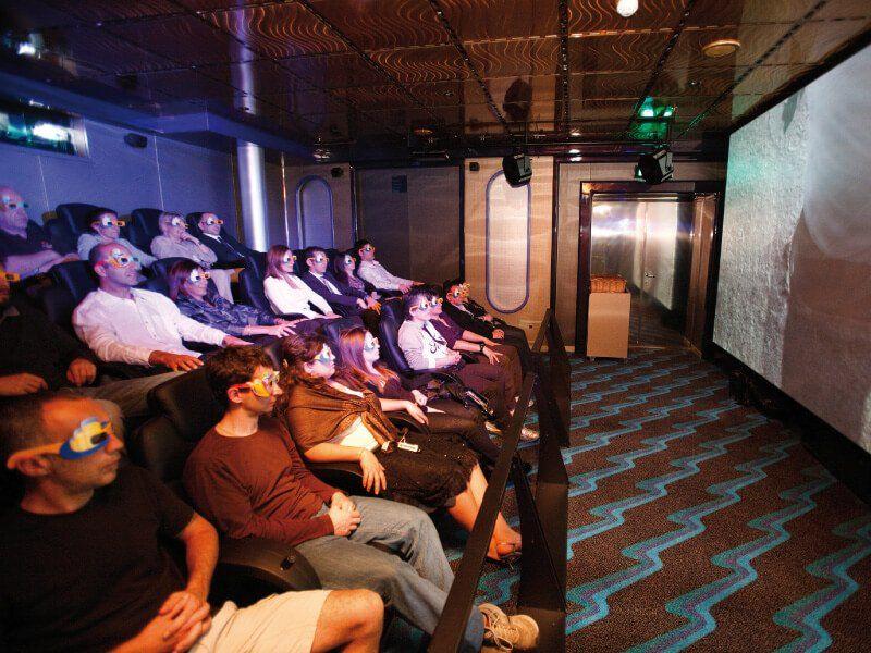 Salle de cinéma 4D du bateau de croisière Costa Luminosa